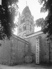 Eglise Saint-Gervais - Saint-Protais - Clocher, côté nord-ouest
