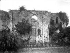 Château - Ruines, chapelle, côté sud
