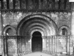 Eglise Notre-Dame - Façade ouest, partie inférieure