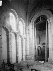 Eglise Saint-Pierre - Choeur, vue diagonale