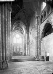 Ancienne abbaye Saint-Léger - Eglise, bras sud du transept, intérieur