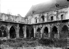 Ancienne abbaye de Saint-Jean-des-Vignes - Cloître, angle nord-ouest