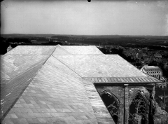 Ancienne collégiale Saint-Quentin - Toiture, prise du clocher