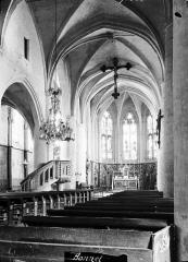 Eglise Saint-Florentin - Nef, vue de l'entrée