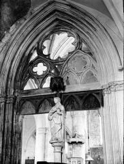 Eglise Saint-Florentin - Portail, tympan
