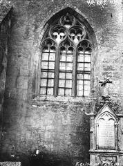 Eglise - Fenêtre et piscine