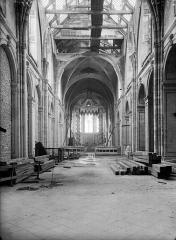 Cathédrale Notre-Dame - Nef, vue de l'entrée