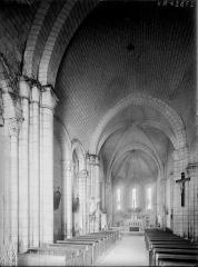 Eglise Saint-André - Nef, vue de l'entrée