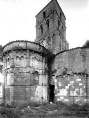 Eglise Saint-Pierre - Abside et clocher, au nord