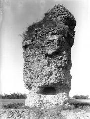 Pile romaine, dite La Pyramide - Côté est