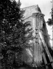 Eglise Saint-Barthélémy - Chevet, angle nord, étais