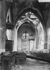 Eglise de Beauzée-sur-Aire - Nef, vue du choeur