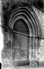 Eglise Notre-Dame-en-Vaux et son cloître - Portail
