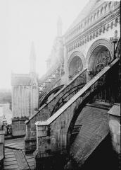 Collégiale, puis cathédrale Notre-Dame, actuellement église paroissiale Notre-Dame - Arcs-boutants