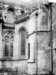 Collégiale, puis cathédrale Notre-Dame, actuellement église paroissiale Notre-Dame - Tourelle et fenêtres