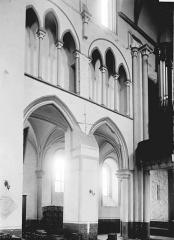 Collégiale, puis cathédrale Notre-Dame, actuellement église paroissiale Notre-Dame - Premières travées de la nef côté sud