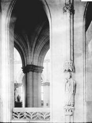 Collégiale, puis cathédrale Notre-Dame, actuellement église paroissiale Notre-Dame - Galeries hautes: détail