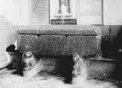 Collégiale, puis cathédrale Notre-Dame, actuellement église paroissiale Notre-Dame - Sarcophage de saint Erkembode