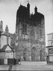 Eglise Saint-Vulfran ou ancienne collégiale - Façade ouest