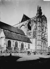 Eglise Saint-Vulfran ou ancienne collégiale - Partie nord: vue diagonale