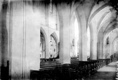 Eglise Saint-Pierre - Bas-côté sud et nef vus de l'entrée