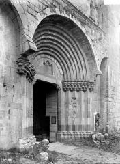 Cathédrale  dite église Notre-Dame-du-Bourg - Portail