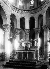 Eglise Saint-Menoux - Choeur: partie basse