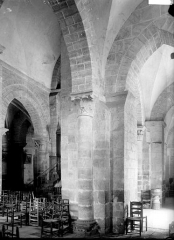 Eglise Saint-Martin - Nef: pilier