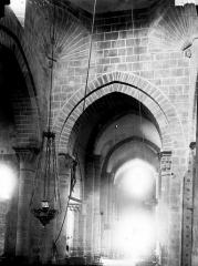 Eglise Saint-Martin - Nef vue du choeur