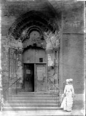 Eglise de la Madeleine et ancien cimetière - Petit portail