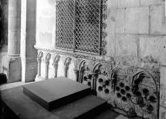 Abbaye de Fontfroide - Détail extérieur: arcature