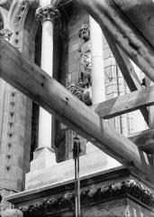 Cathédrale Notre-Dame - Statue de roi dite de Pépin le Bref