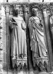 Cathédrale Notre-Dame - Portail ouest, deux statues du portail gauche