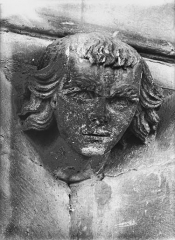 Cathédrale Notre-Dame - Tête d'amortissement d'arc