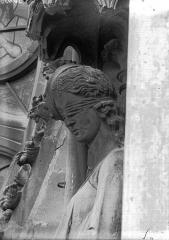 Cathédrale Notre-Dame - Buste de La Synagogue