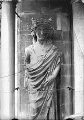 Cathédrale Notre-Dame - Statue de roi dit Louis le Gros