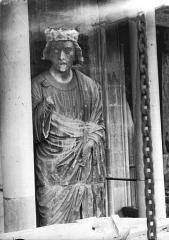 Cathédrale Notre-Dame - Statue de roi