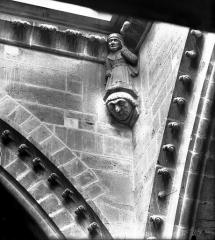 Cathédrale Notre-Dame - Cariatide d'angle rentrant, transept