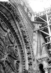 Cathédrale Notre-Dame - Partie de la voussure de la rose sud