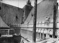 Cathédrale Notre-Dame - Jonction des toitures de l'abside et du transept