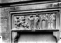 Cathédrale Notre-Dame - Petit portail sud ou porte rouge, linteau