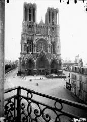 Cathédrale Notre-Dame - Ensemble ouest, prise d'un balcon