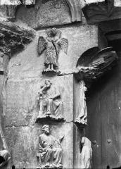 Cathédrale Notre-Dame - Portail ouest, partie supérieure du piédroit gauche de la porte sud