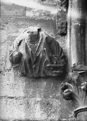 Cathédrale Notre-Dame - Sommier d'arc, tour nord, la Justice