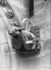 Cathédrale Notre-Dame - Sommier d'arc, bras nord du transept, l'Ange de saint Mathieu