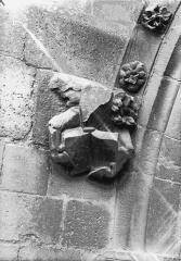 Cathédrale Notre-Dame - Sommier d'arc, bras nord du transept, le Boeuf de saint Luc