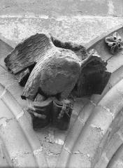 Cathédrale Notre-Dame - Sommier d'arc, bras nord du transept, l'Aigle de saint Jean
