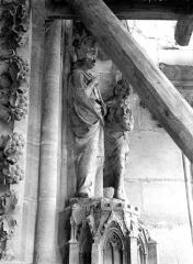Cathédrale Notre-Dame - Portail ouest, groupe, David portant la tête de Goliath