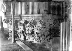 Cathédrale Notre-Dame - Chapiteau d'une chapelle absidiale