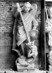 Cathédrale Notre-Dame - Pignon du bras nord du transept, saint Michel